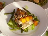 petto di pollo con verdure e uvetta e pinoli